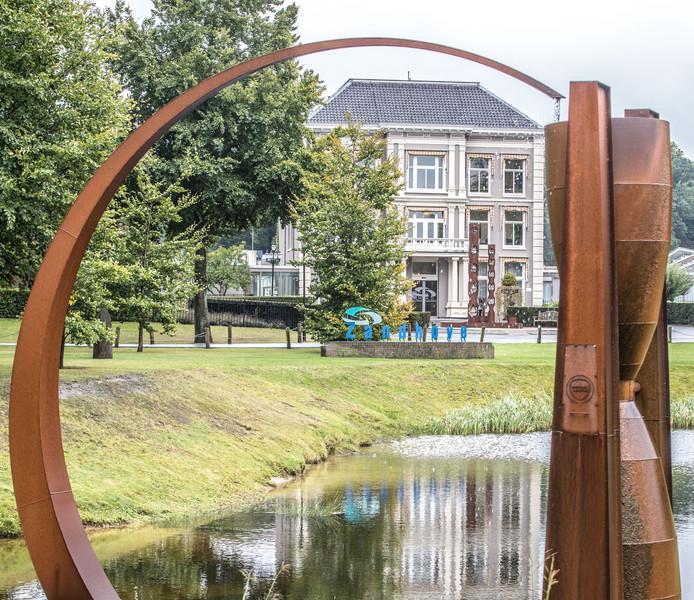 Het hoofdgebouw van Zorgspectrum Het Zand in Zwolle.