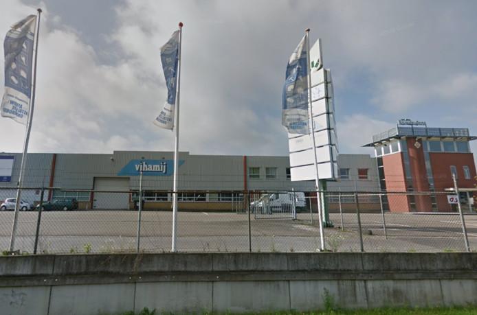 Garage Den Bosch : Oer bosch bedrijf van den bouwhuijsen verhuist renault garage komt