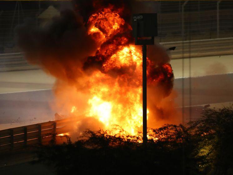 Grosjean overleeft enorme explosie na start GP Bahrein