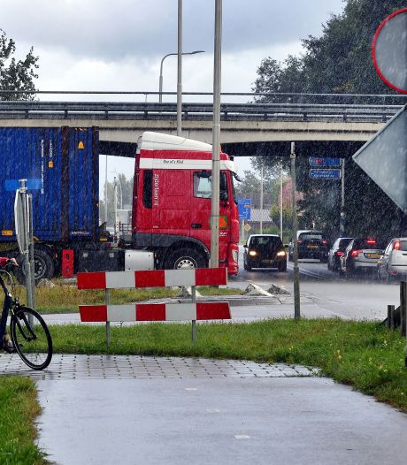 Kralen en afrit A17 verkeersveilig maken