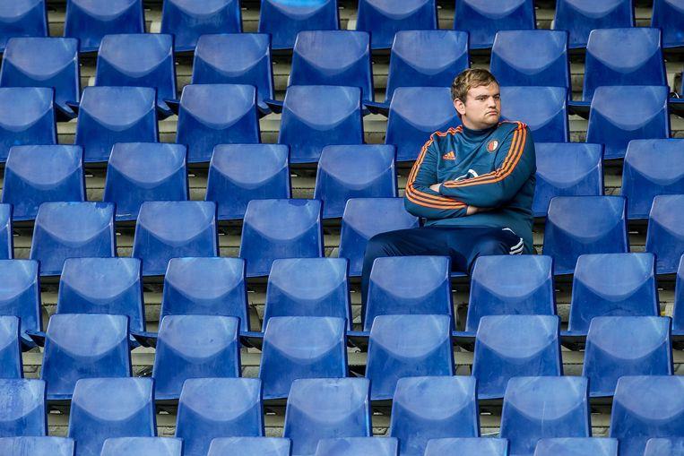 Een teleurgestelde supporter na de wedstrijd. Beeld ANP Pro Shots