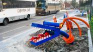 Futuristische draak nieuwe bushaven niet gesmaakt door schooldirectie