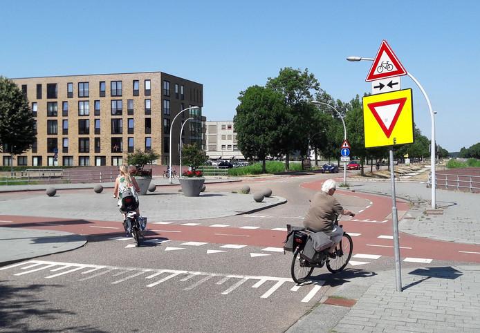 De Werkerlaan in Stadshagen, bij het winkelcentrum, is door veel lezers aangedragen als onveilig.