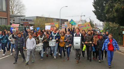 KLIMAATMARS IN ASSE: meer dan duizend scholieren eisen extra maatregelen