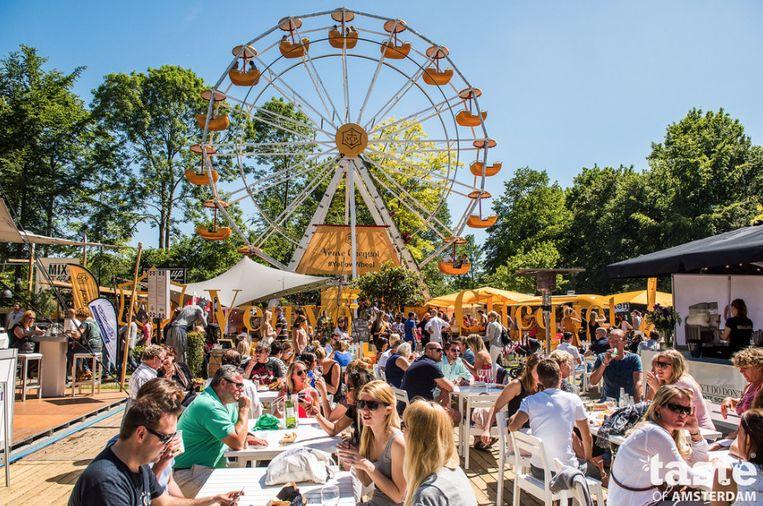 Ook vorig jaar was Taste of Amsterdam een zonovergoten foodfestival. Beeld Maarten Steenvoort