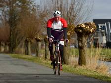 Veel leden fietsclub Avanti bij uitvaart 'kilometervreter' Gerrit (71) in Koudekerk