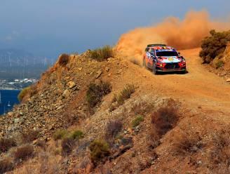 Thierry Neuville zakt naar tweede plaats in Rally van Turkije, Evans nieuwe leider