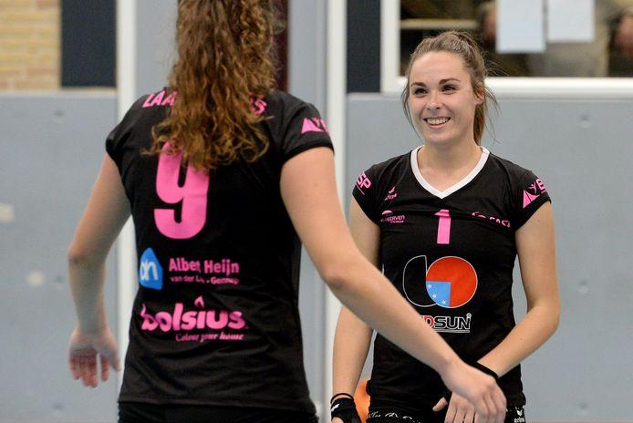 Rachel Feron (rechts) van FAST.