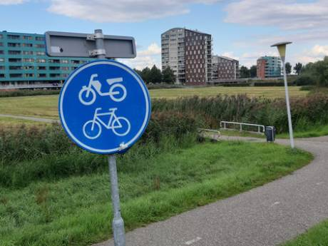Politie pakt elf jongeren op voor serie gewelddadige berovingen in Zwolle