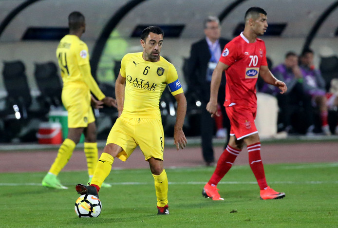 Xavi Hernández aan de bal voor zijn club Al-Sadd in Qatar.