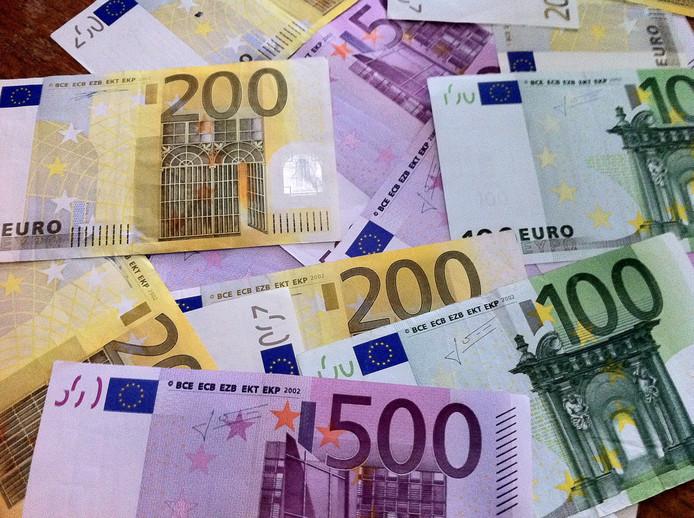 VNG Overijssel wil miljoenen extra uit Den Haag voor gemeenten.