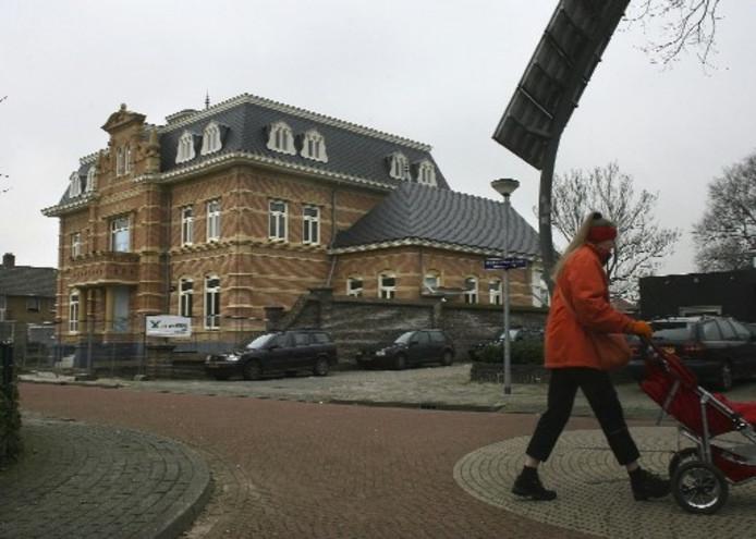 Angus Young en Ellen bouwen immens huis in Aalten. Foto THEO KOCK