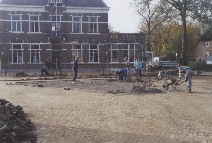 De aanleg van de driehoek, destijds in Schaijk.
