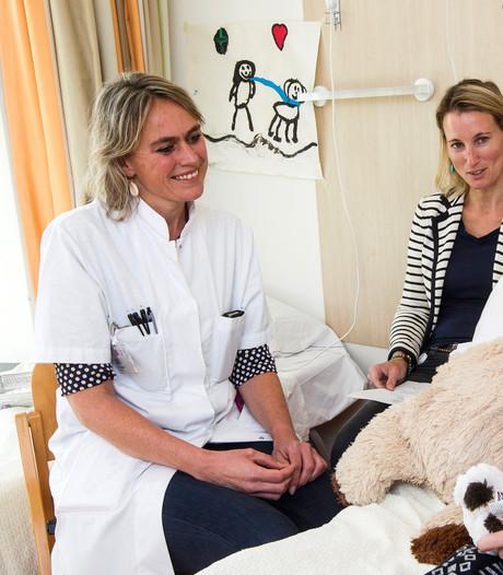 In Deventer Ziekenhuis hoor je straks nooit meer: Ik ga je nu een prik geven