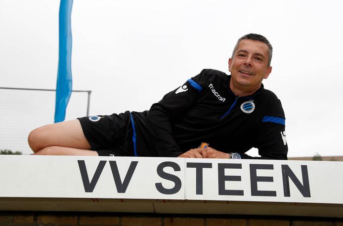 Steen-coach Carlo van Grimberghe.