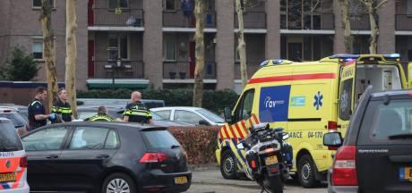 Ernstig gewonde bij steekincident in Apeldoorn, traumahelikopter opgeroepen