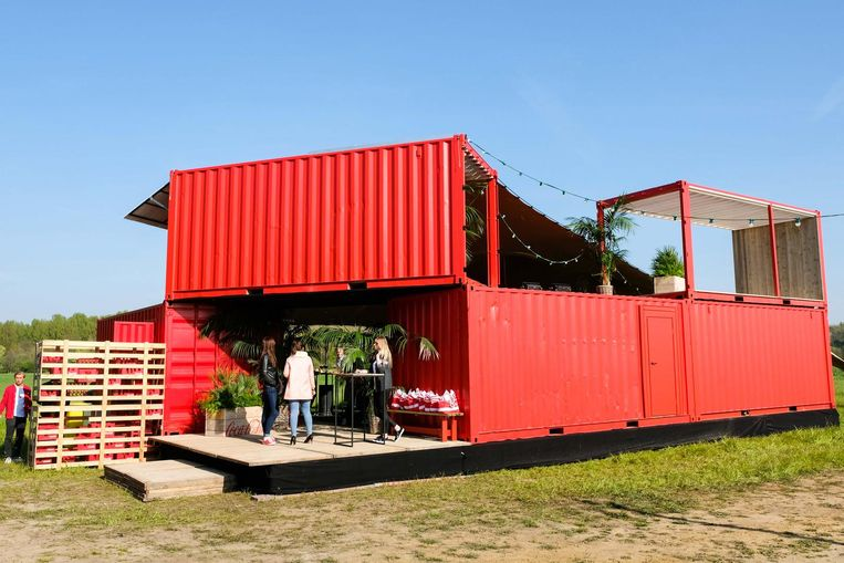 Coca-Cola pootte gisteren voor de lancering van de zomeractie zelfs een voorsmaakje van haar festivalstand op de weide in Werchter neer.