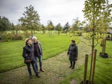 Bij leven je eigen gedenkboom planten in Haaksbergen: 'Minder beladen dan een kerkhof'
