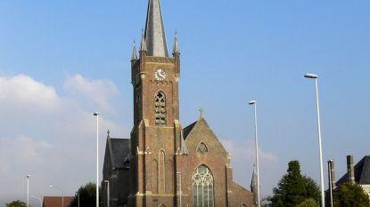 """Sloophamer wenkt voor Sint-Amanduskerk in Kerkhove: """"Amper nog diensten en vieringen"""""""