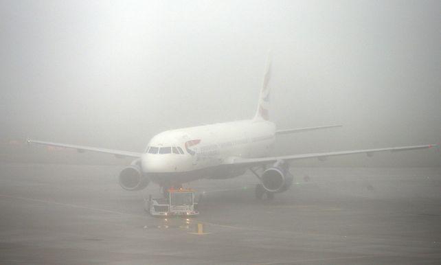 Hevige Mist Stuurt Engels Vliegverkeer In De War
