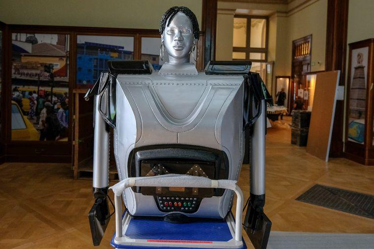 Opening Afrika Museum: Bovenste deel van de robot.