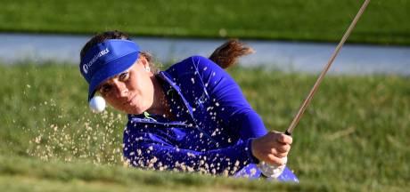 Golfster Van Dam riant aan de leiding in Barcelona