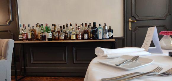 De indrukwekkende drankentafel in De Marmiet.