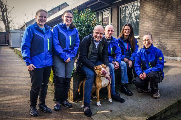 Het team van dierenasiel Het Blauwe Kruis in Oostende