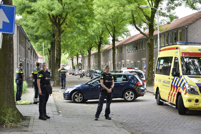 De schietpartij vond plaats aan de Rob van Spaendonckstraat in Tilburg.