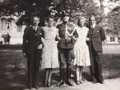 Wie herkent deze militair? 'De man op de foto achtervolgt me'