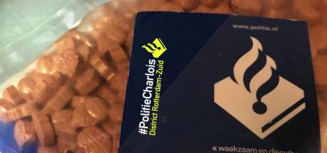 Man in Rotterdam-Charlois opgepakt met 500 xtc-pillen