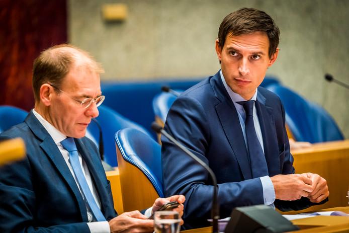 Minister Wopke Hoekstra krijgt na het vertrek van Menno Snel niet één maar twee staatssecretarissen onder zich.