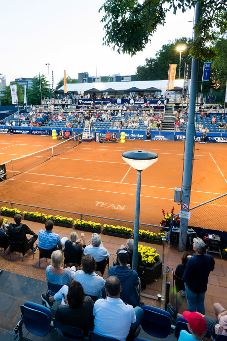 Tennisbond hekelt plan samenvoegen Alphense tennisclubs