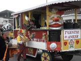 Philippine viert carnaval: 'Winderig maar wel leuk'