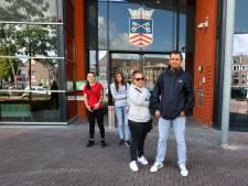 Boze Posthof-bewoners demonstreren hele dag bij gemeentehuis Bladel, zonder resultaat