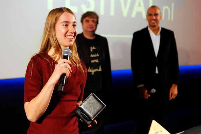 Michelle Verhoeks kreeg een Wing Award voor Beste Brabantse Talent uitgereikt door acteur Frank Lammers, die even daarvoor zelf de Prins Bernard Cultuurprijs had gekregen. Van Verhoeks was op het filmfestival haar nieuwe korte animatie 'Diep' te zien.  Rechts presentator van de awardshow Leon van der Zanden.