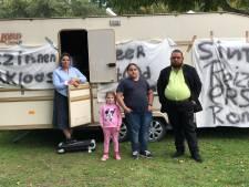 Na Spijkenisse protesteren zigeuners ook in Hoogvliet