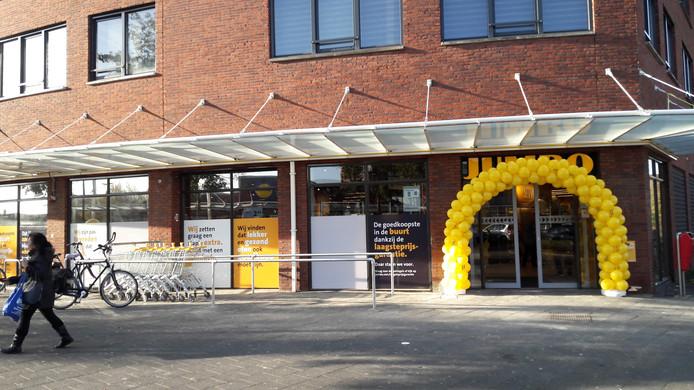Direct na de opening van de nieuwe Jumbo Papegaaienburg stromen veel klanten toe.