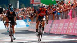 Nibali wint beestachtige koninginnenrit, Dumoulin verliest bijna roze trui door maagproblemen
