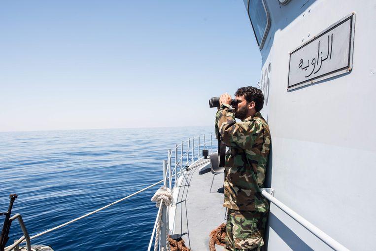 De Libische kustwacht in actie. Beeld AFP