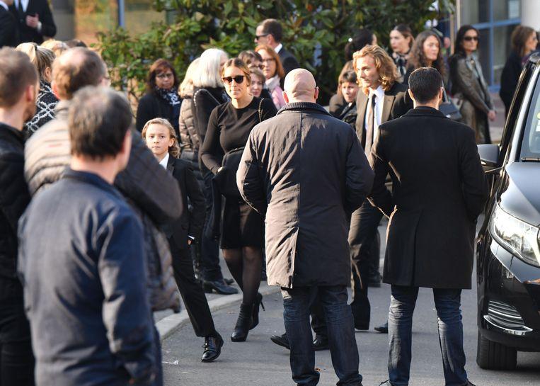 Het afscheid van Karl Lagerfeld - gasten verzamelen zich voor de begraafplaats.