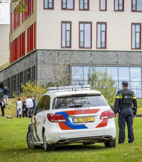 Scholen schorsen of sturen honderden leerlingen weg voor wapenbezit