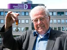 Toch nog een lintje uit handen van de burgemeester voor vrijwilliger Bas (75): 'Heel blij en vereerd'