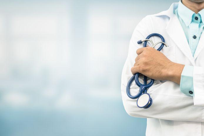 """Des centaines de médecins tirent la sonnette d'alarme sur le dérèglement climatique, une """"urgence de santé publique."""""""