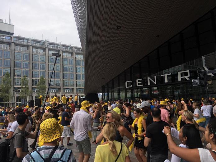 Recordpoging salsadansen voor CS Rotterdam