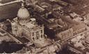 De basiliek werd slechts links aan de voorgevel geschampt door granaatvuur.
