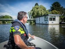 'Jongeren met snelle bootjes vernielen onze woonarken'