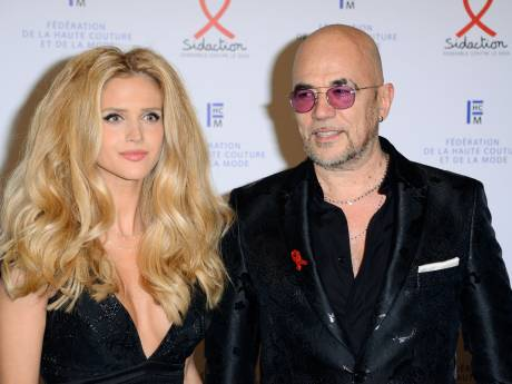 Pascal Obispo fait une rare apparition avec sa femme Julie