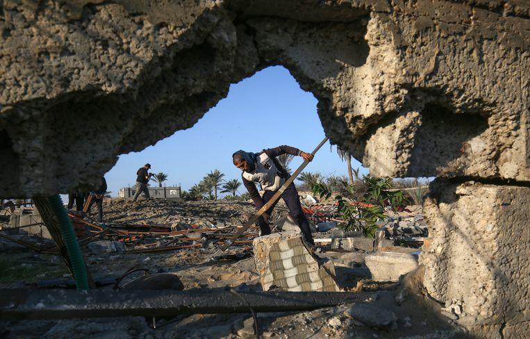 Schade in Palestijnse stad Khan Yunis na raketaanval van Israël.  Beeld ANP