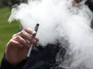 "L'arrivée de l'e-cigarette Juul en Belgique inquiète: ""Il faudra être vigilant"""